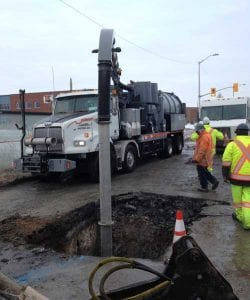 How Do Municipalities and Contractors Use Vacuum Trucks to Save Money